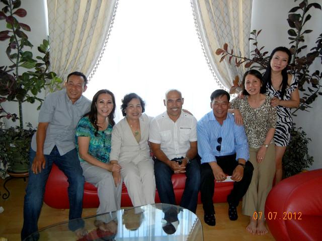 Hội Ngộ Thầy Trò THTA Ngày 19-7-2010 Tại Nhà Hàng Vườn Phố, 358 Chi Lăng, Huế